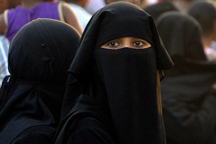 Despite SC ban Hyd man gives Triple Talaq to wife over phone just 25 days after wedding