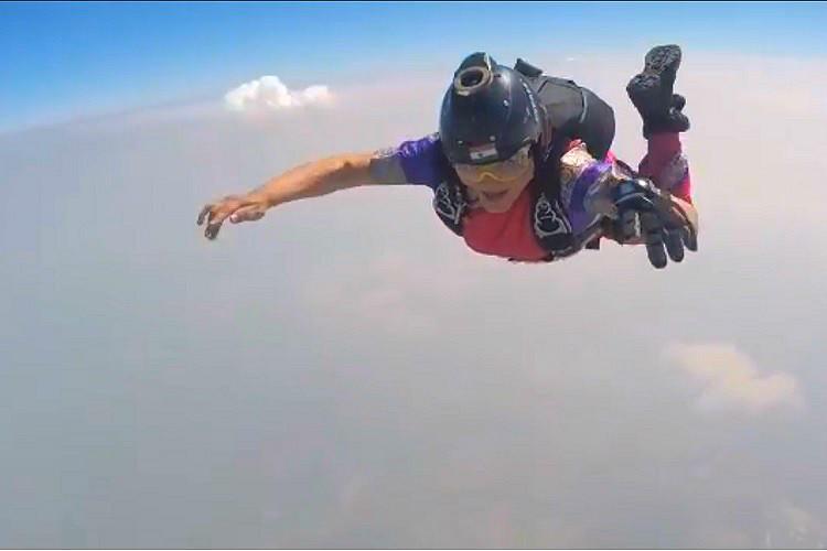 Watch Pune woman skydives in nine-yard saree