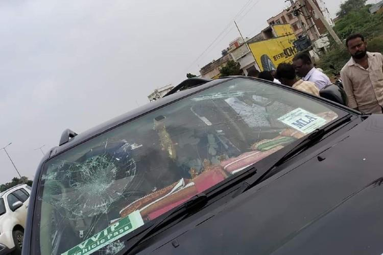 YSRCP MLA Ramakrishna Reddy attacked by unidentified protesters in Andhra
