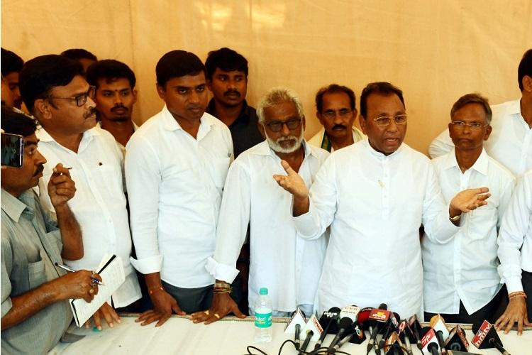Five YSR Congress MPs to resign on Friday sit on hunger strike demanding justice