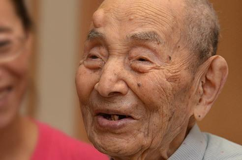 Meet the worlds oldest man born the year Wright brothers made their first successful flight