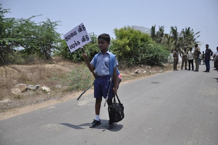 The tiny protester of Tamil Nadu Meet 7-yr-old Akash who shut down a wine shop for 2 hours