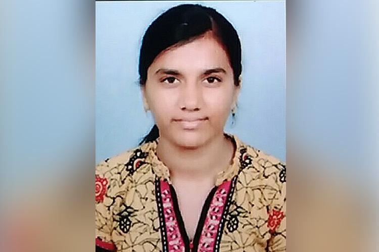 Namakkal student once a Class 10 topper needs help to fulfil her dream of becoming a doctor