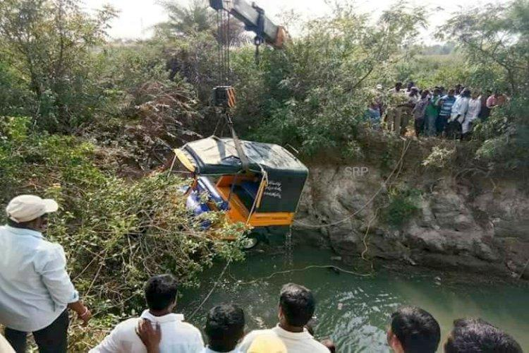 Eleven people including six children die as auto falls into open well in Telangana