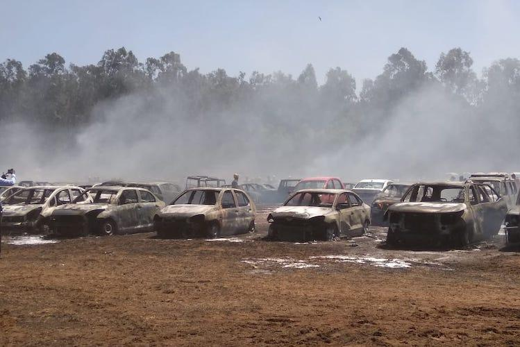 Raging fire guts hundreds of cars at government-run Indian airshow