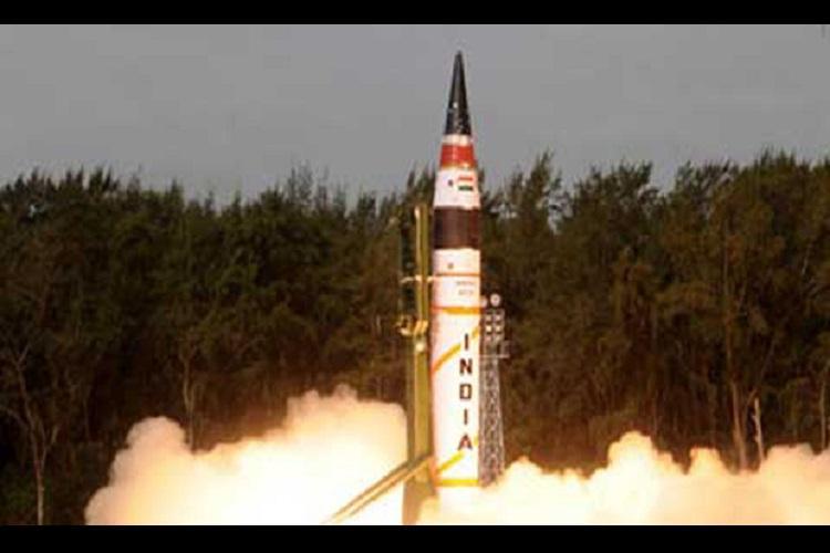 India successfully test fires Agni-IV missile