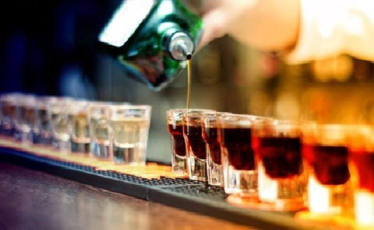 Karnataka govt mulls amendment to excise law to save bars and pubs from highway liquor ban