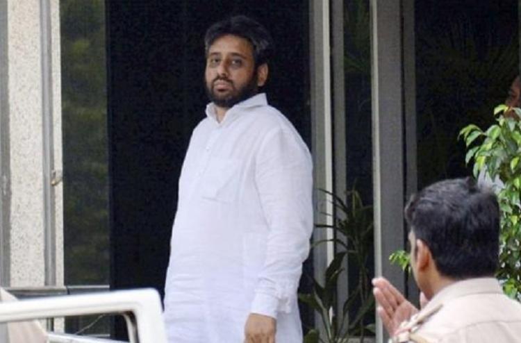 AAP refuses to accept Amanatullah Khans resignation