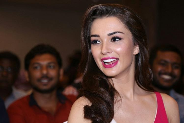 Amy Jackson to debut in Kannada film industry