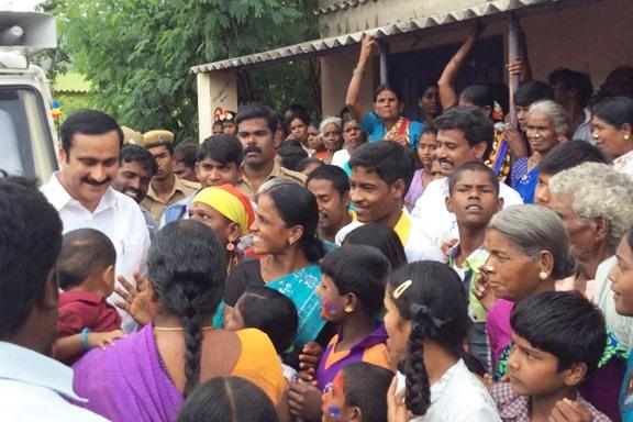 PMK assures prohibition and life of dignity for women voters in his campaign