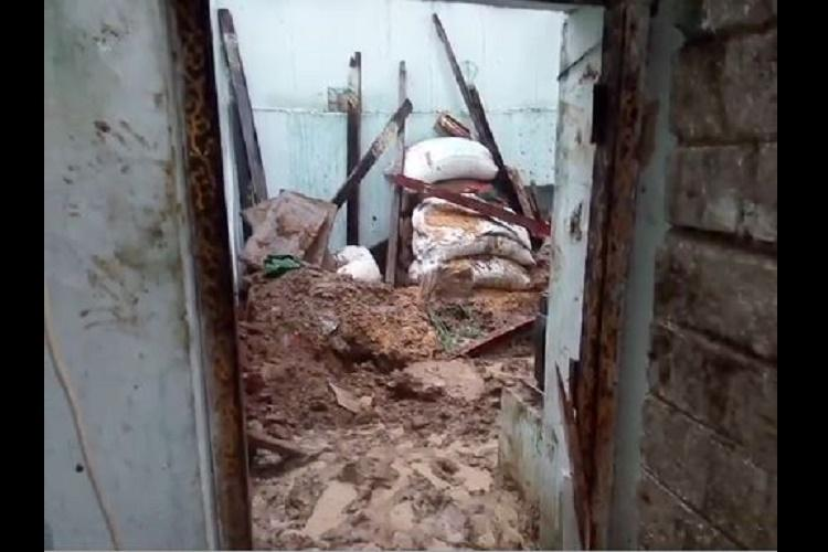 Five of a family killed on the spot in building collapse in Andhra