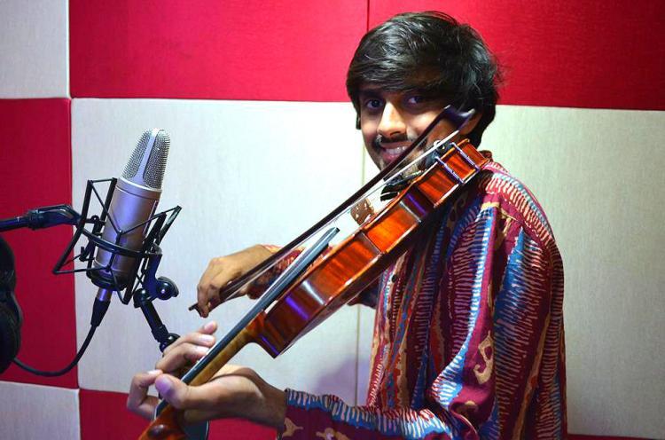 The walking violinist from Bengaluru is enthralling world audiences with fusion music