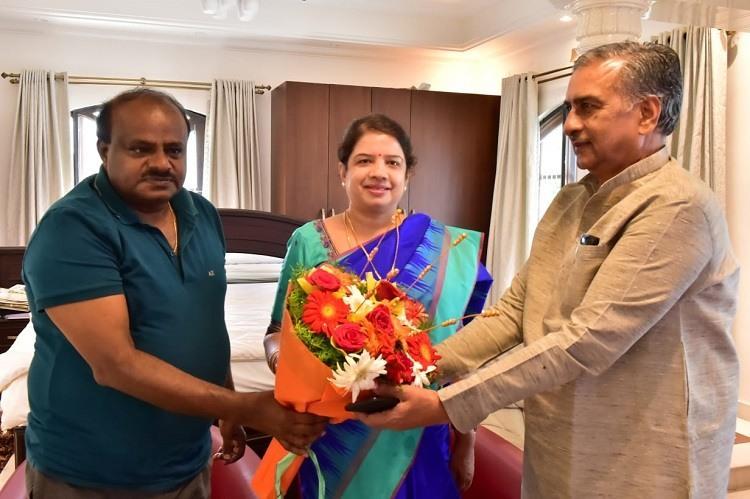 No surprises in Ramanagara Anitha wife of CM Kumaraswamy wins bye-election
