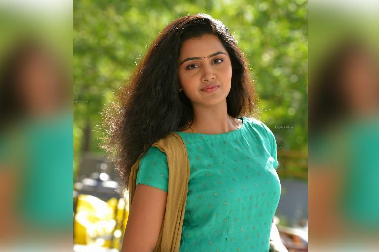 Anupama Parameswaran to play lead in Tamil remake of Ninnu Kori
