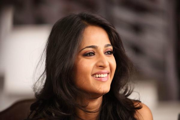 Anushka Shetty to play the leading lady in Chiranjeevis 150th film