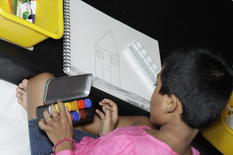 Bluru hospital ties up with artists to provide art therapy to chronically ill children