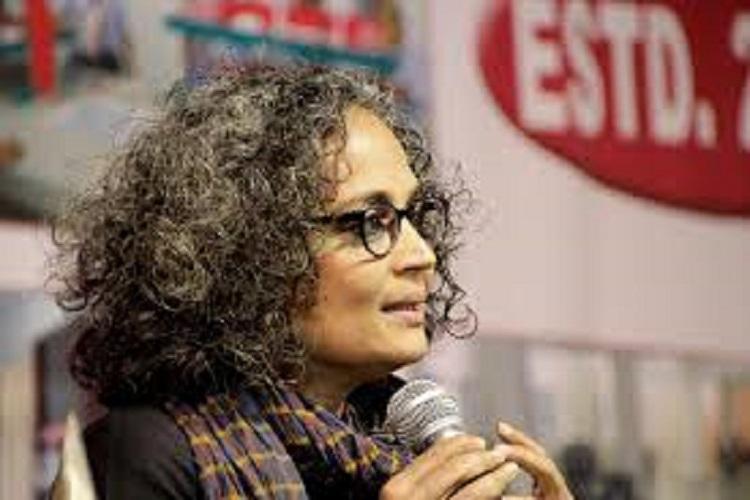 Pakistan assembly mulls inviting Arundhati Roy to talk on Kashmir