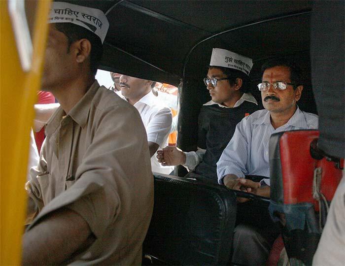 Bengalurus autodrivers become political fodder Kejriwal bats for them