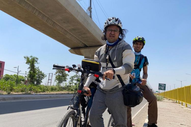 Asiaville reporters cycle from Delhi to Lucknow