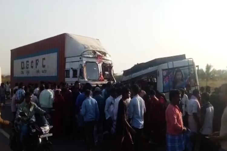 7 passengers dead after mini bus collides with truck in Andhras Anantapur