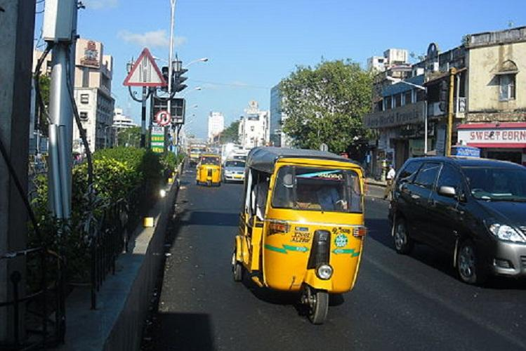 High Court gives four weeks time to TN govt to decide on issuing license for autorickshaws
