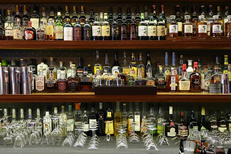 The big alcohol clearance sale in Bengaluru Deadline to stop serving liquor nears