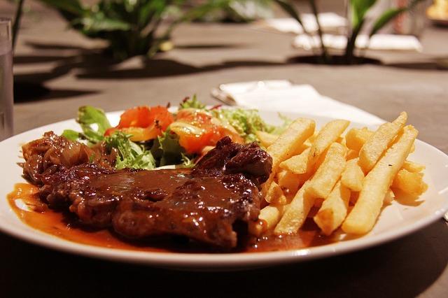 Hindu Sena now threatens to target five-star hotels in Delhi serving beef