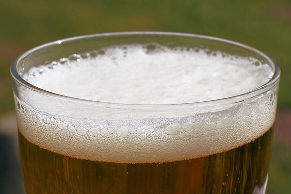 Toxic beer leaves youngsters in Guntur with rashes on their tongue