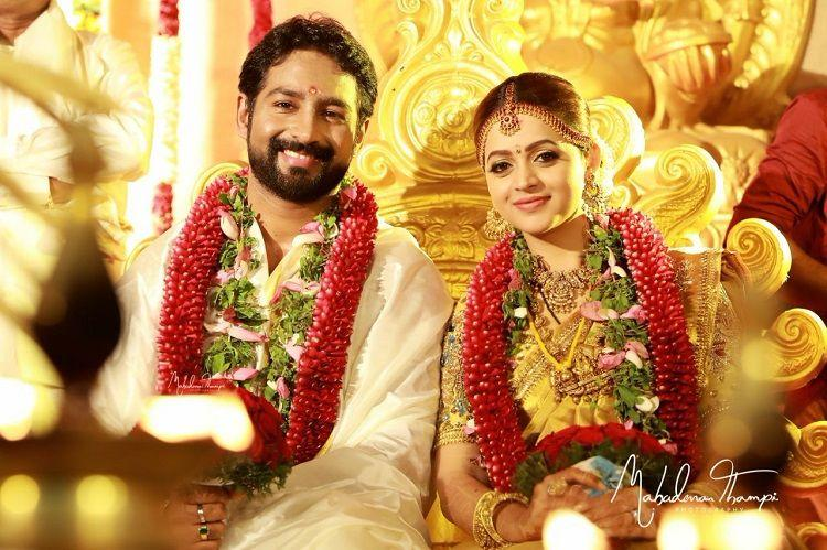 Actor Bhavana weds producer Naveen in Thrissur