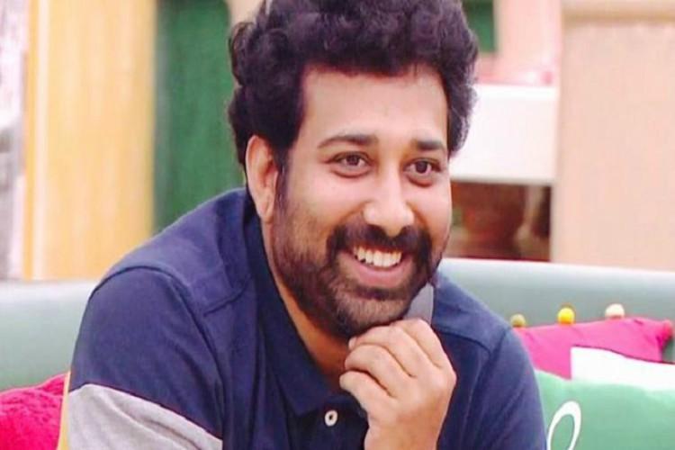 Actor Shiva Balaji wins Season one of Bigg Boss Telugu