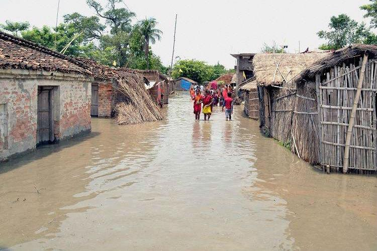 Bihar floods force people along Kosi to eat rats