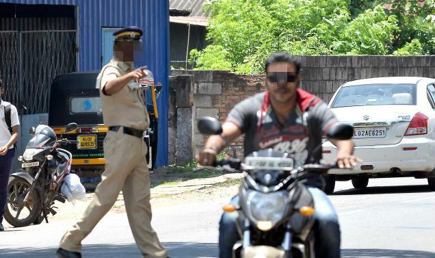 Come February 1 Bengaluru traffic cops to get tough on helmet rule
