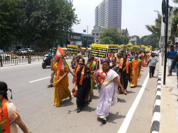 BJP corporators take to the streets but will they be able to thwart Congress coup