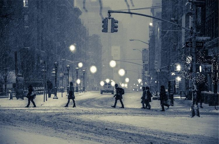 Watch How New Yorkers kept themselves busy when blizzard hit them
