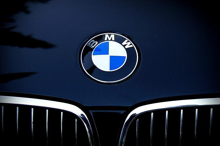 BMW admits mistake in diesel emissions scandal