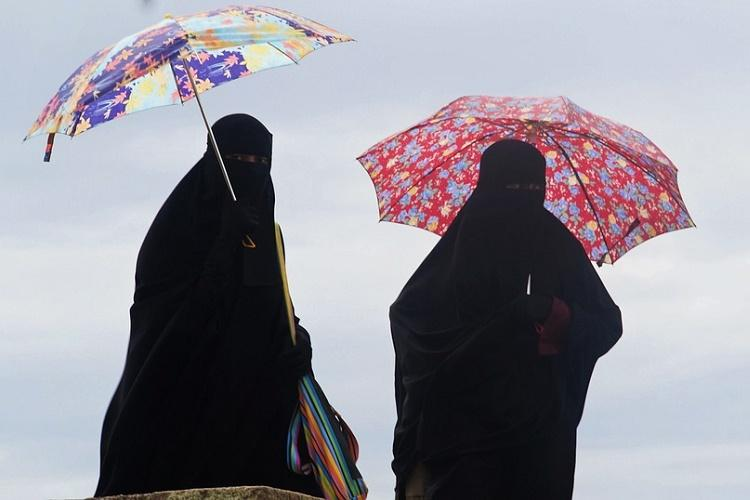 Hyd school allegedly forces Muslim students to remove burqa during exam despite govt rules