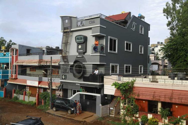 Ravi Hongals camera-shaped house in Belagavi Karnataka