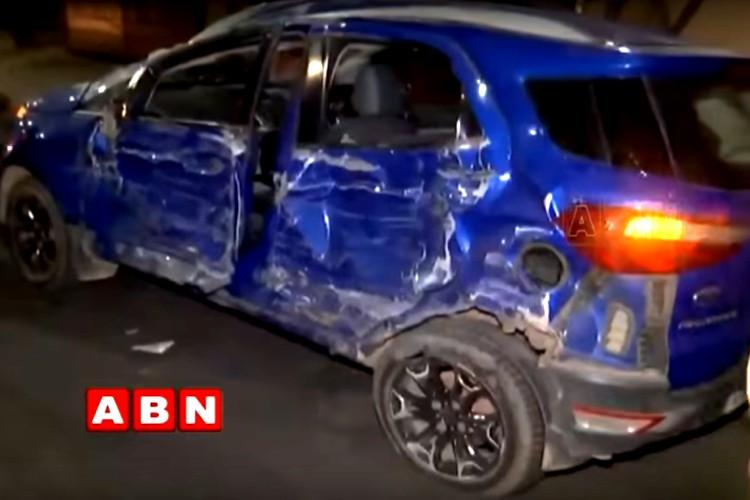 Car Accident In Jubilee Hills; One Gitam Student Dies, Three Injured