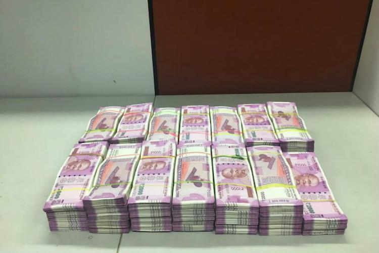 Ktaka Mins staffer caught with Rs 25 lakh unaccounted cash sent to 3-day remand