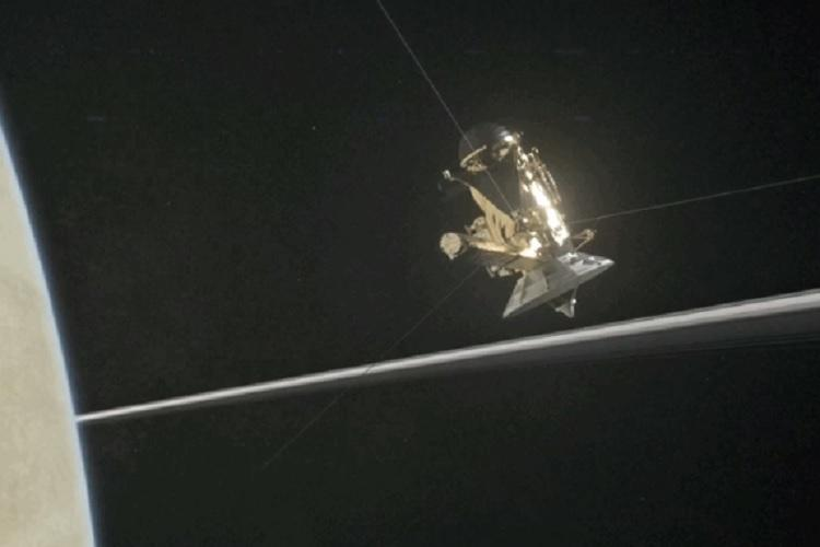 In photos Cassinis first dive between Saturn and its rings is breathtaking