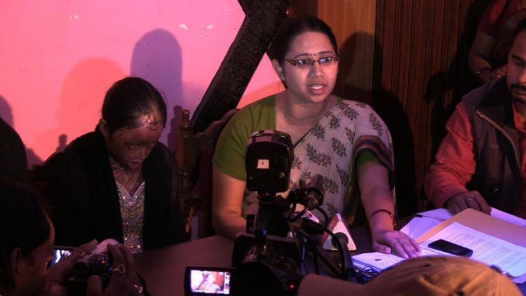 Men who threw acid on Dalit girls face are threatening her says NGO