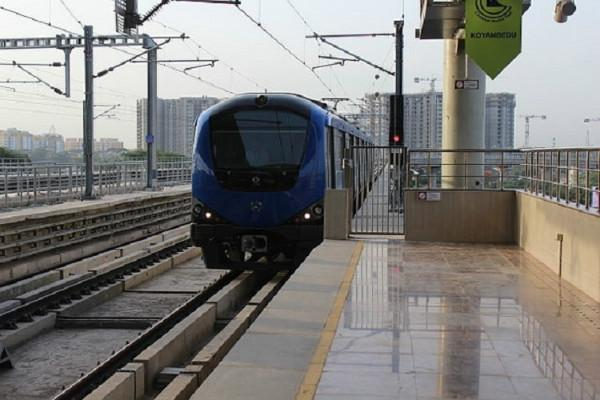 Bird hits Chennai Metro and Metro comes to a halt for 4 hours!
