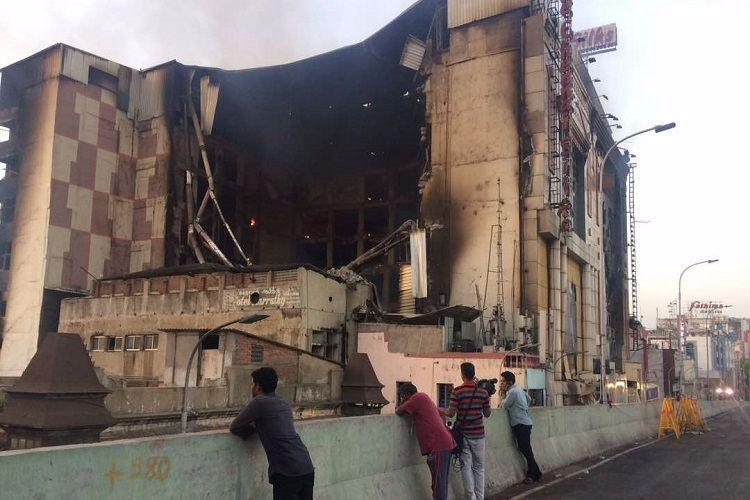 24 hours on, Chennai Silks Textile Showroom fire continues to rage
