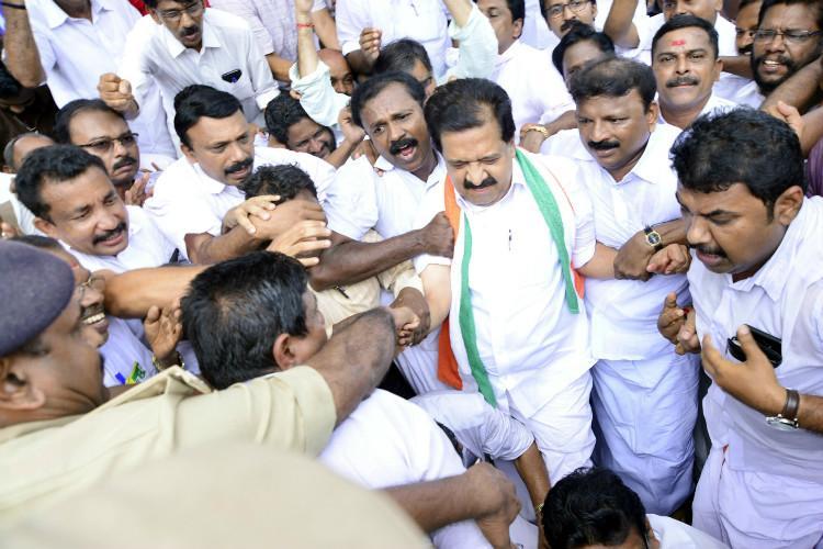 Opposition stages protest on Kannur double murder Chennithala Tharoor court arrest