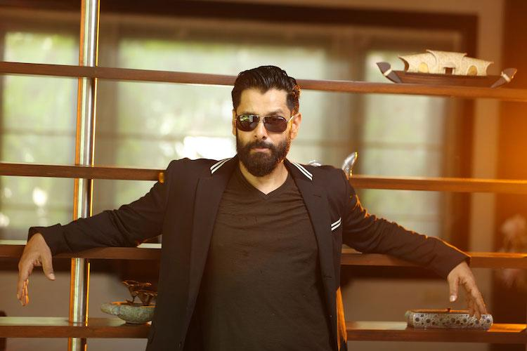 Vikram agrees to play Karna after director manages to ...