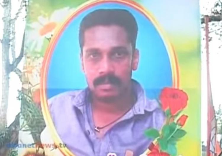 Two dead after a clash over urinating outside shop in Kollam