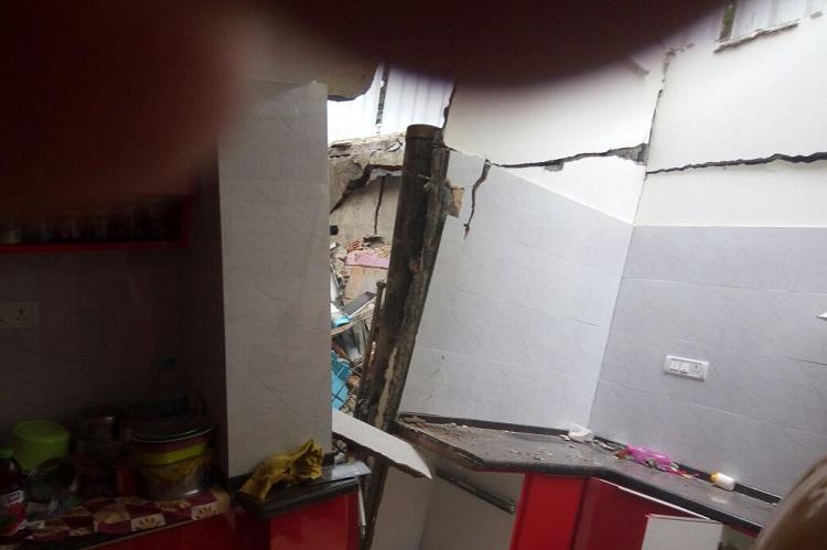 Incredible Houses Develop Cracks And Crumble Bengaluru Residents Blame Wiring Database Gramgelartorg