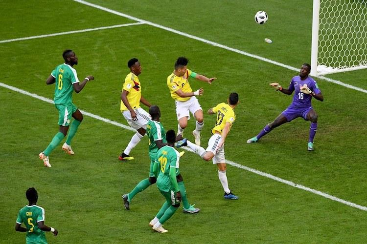 Colombia knock Senegal out to qualify for pre-quarters