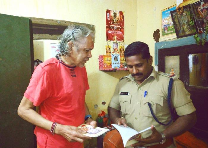 Kochis kindest cop This sub-inspector has been feeding a destitute old man for over a year