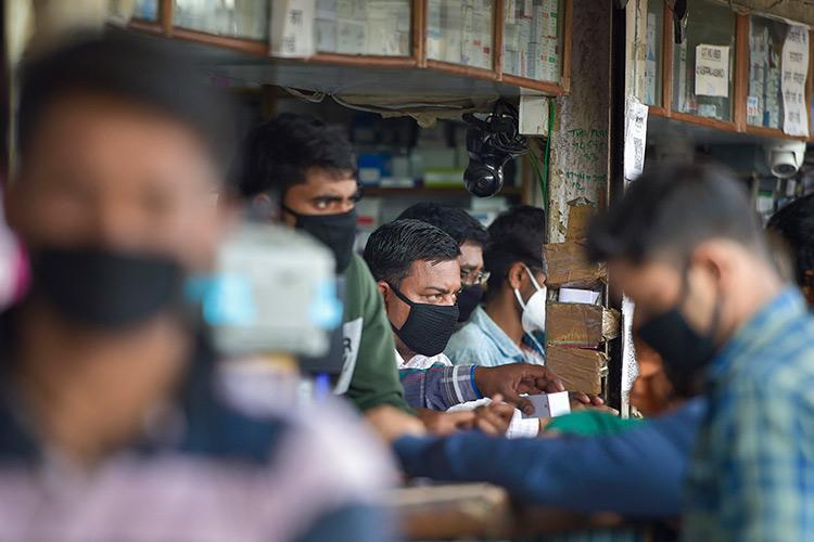 COVID-19 cases in India cross 10000